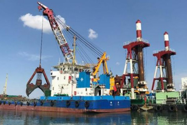 Chinese company completes first dredging project at Ukraine's Black Sea
